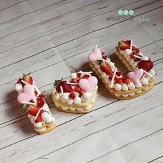 """Cream tart, dal francese """"crostata alla crema"""" (chiamata anche number o letter cake) è il tormentone del momento.Scopri come ottenere una tart perfetta!"""