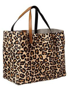 376b7d216f A simple design perfect for quick packing and departure  Animal print calf  hair tote bag