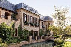 Resultado de imagem para fachadas de casas terreas classicas