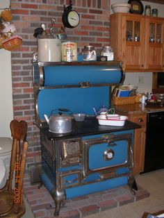 1000 images about primitive kitchens on pinterest for Primitive country kitchen ideas