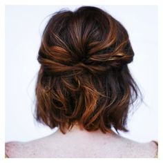 """A little short hair styling inspiration. ? great shot and work @mollystilley #shorthair #bridal #shortbridalhair"""
