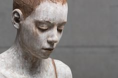 If someone can be called the master of wooden sculptures, it is Bruno Walpoth. This Italian sculptor creates sculptures that are so realistic, that if you would