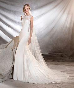 Oreste, Pronovias wedding dress with high neck lace #weddingdress