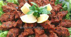 ÇİĞ KÖFTE YAPIMI Turkish Coffee Cups, Pomegranate, Mashed Potatoes, Chili, Salsa, Tea Cups, Ethnic Recipes, Teeth, Medium