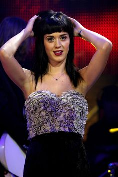 """Katy Perry Photos Photos - Singer Katy Perry performs at the """"Scalo 76"""" Italian TV show on November 18, 2008 in Milan, Italy. - Katy Perry Performs At """"Scalo 76"""" Italian Music Show"""