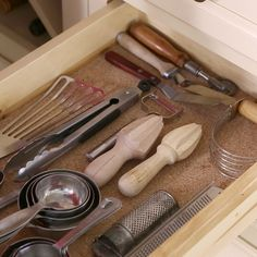 How to Neatly Organize Your Kitchen Gadgets in a Drawer