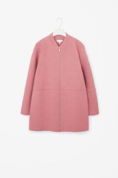 Raw-edge wool coat in Pink