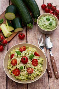 Side Dish Recipes 81519 Tagliatelle with zucchini pesto - Amandine Cooking Zucchini Pesto, Vegan Zucchini Recipes, Air Fryer Recipes Vegetarian, Best Zucchini Bread, Healthy Recipes, Healthy Pesto, Healthy Cooking, Healthy Pork Chops, Side Dish Recipes