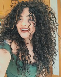 (notitle) Sure, the bushy perms of the might be out of vogue, but there are abundance (generic t Curly Hair Routine, Air Dry Hair, Aesthetic Beauty, Types Of Curls, Permed Hairstyles, Curly Girl, Textured Hair, Hair Inspiration, Your Hair