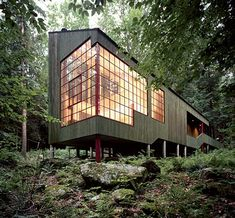 Modern House Plans by Gregory La Vardera Architect: An IBU (shipping container) based house - for real