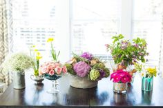 The entertaining experts at HGTV.com share how to use a mix of flea-market finds, food and free household items to create easy, breezy, no-fuss floral arrangements.
