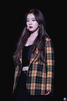 K-Pop Babe Pics – Photos of every single female singer in Korean Pop Music (K-Pop) Irene Red Velvet, Red Velvet Joy, Velvet Style, Seulgi, Korean Girl, Asian Girl, Red Velet, Korean Celebrities, Shows