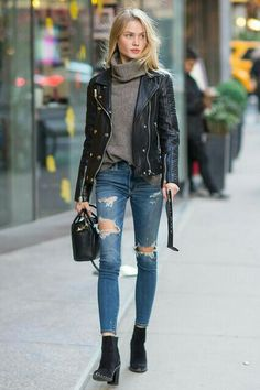 killer outfits we spotted outside the victoria's secret casting call winter fashion street style Mode Outfits, Fashion Outfits, Womens Fashion, Fashion Trends, 30 Outfits, Fashion Boots, Fashion Ideas, Jackets Fashion, Black Outfits