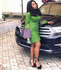 Une femme africaine qui n'a pas de tenue wax est comme une sauce sans assaisonnement, une beauty addict sans make up ou une geek sans ordinateur (rires). Il m'arrive parfois de me deman…