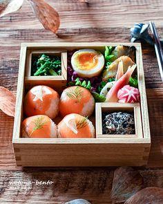 おはようございます!今朝は今年一番の冷え込みだったとか。そうは言っても平年並みのようで(笑)今までがあったかすぎたってことなのね。だけど、急に寒くなるのはイヤですよね~(>_... Bento And Co, Bento Box Lunch, Japanese Street Food, Japanese Food, No Cook Meals, Kids Meals, Cute Food, Yummy Food, Bento Recipes