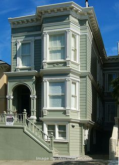 Victorian homes of San Francisco Exterior House Colors, Exterior Design, Victorian Style Homes, Victorian Houses, Victorian Windows, Victorian Design, Victorian Era, Beautiful Buildings, Beautiful Homes