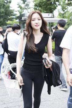 Apink's Naeun #Fashion #Kpop #Idol