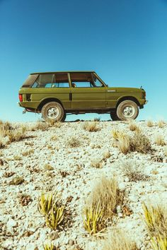 1975 Land Rover Range Rover - the classic Range Rover driver - Cars Range Rover Classic, Range Rover V8, Range Rover Off Road, Range Rover Supercharged, Offroad And Motocross, Yamaha Bikes, Motorcycles, Land Rover Models, Landrover