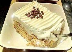 Τούρτα Κατσαρόλας Πανεύκολη Cold Deserts, Greek Desserts, Custard Cake, Greek Dishes, No Bake Cake, Cake Recipes, Bakery, Frozen, Food And Drink