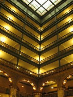 The Brown Palace Hotel and Spa: Part of the Atrium