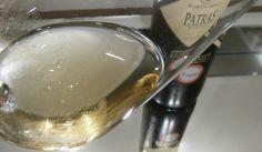 A D.O.P. Patras (Grécia) é sinônimo de vinhos brancos secos feitos com a uva Roditis. Esta uva é rosada, mas o vinho é feito sem maceração, resultando em um branco encorpado.
