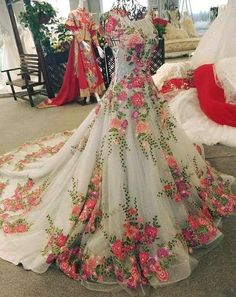 Sleeveless Gown by U Indian Wedding Outfits, Bridal Outfits, Bridal Dresses, Bridal Gown, Lovely Dresses, Beautiful Gowns, Indian Designer Outfits, Designer Dresses, Indian Gowns Dresses