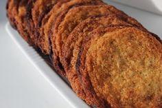- med masser af bid, og super lækker til en dessert som eksempelvis denne Det var disse sprøde kanelcookies jeg valgte at servere sa...