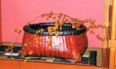 一閑張り Paper Art, Paper Crafts, Japanese Paper, Arts And Crafts, Clutch Bags, Bags, Papercraft, Gift Crafts, Art And Craft