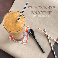 Pumpkin Pie Smoothie. It tastes exactly like pumpkin pie!! // Happy Food Healthy Life