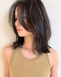 Korean Long Hair, Asian Short Hair, Short Hair With Bangs, Short Hair Cuts, Medium Hair Cuts, Medium Hair Styles, Hair Inspo, Hair Inspiration, Haircuts Straight Hair