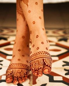 """""""Is this thing on?"""" 🎤Because I have an important announcement. My last batch … – mehndi design """"Is this thing on?"""" 🎤Because I have an important announcement. My last batch … – mehndi design – Mehndi Designs Feet, Indian Mehndi Designs, Legs Mehndi Design, Mehndi Designs 2018, Mehndi Designs For Beginners, Mehndi Designs For Girls, Mehndi Design Photos, Mehndi Designs Book, Modern Mehndi Designs"""
