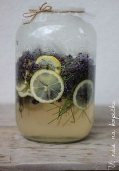 Levandulovy sirup Home Recipes, Real Food Recipes, Homemade Syrup, Oreo Cupcakes, Easy Cooking, Healthy Fats, Wines, Plant Based, Smoothies