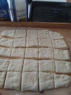 Pečené buchty dvoch chutí (fotorecept) - recept | Varecha.sk Bread, Food, Brot, Essen, Baking, Meals, Breads, Buns, Yemek