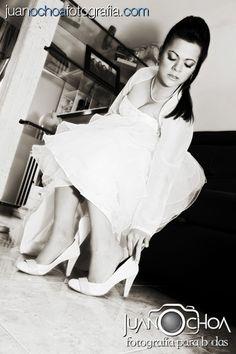 www.juanochoafotografia.com Fotografo bodas, fotografo matrimonios, fotografia novia, wedding photographer, foto novia, novios, pre-boda, fotografo, fotografia bogota, Fotografo bodas colombia, fotografo matrimonios y bodas Bogota, decoracion, wedding, bride, groom. One Shoulder Wedding Dress, Bridal, Wedding Dresses, Photography, Fashion, Costume Dress, Royal Weddings, Brides, Colombia