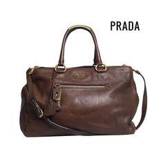 Bolsa #Prada em couro marrom perfeita pro dia a dia! 💥😍✨ #NewIn #ShopOnline…