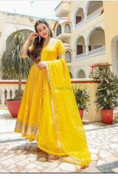 Confused, what to wear for your Haldi ? Head to our blog for outfit ideas under budget. Click on the link attached below  #indianwedding #shaadisaga #intimatewedding #bridalfashion #indianweddinginspiration #haldiceremony #haldioutfitideas #weddingoutfitonbudget Cotton Anarkali, Anarkali Kurti, Yellow Suit, Colour Yellow, Black Anarkali, Haldi Ceremony, Indian Party Wear, Pakistan Fashion, Cotton Suit