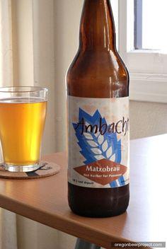 Agora alguém inventou uma forma de reciclar a Matzá que sobrou! Trata-se da fábrica de cervejas Brewery Portland Ambacht. Eles criaram a MatzoBrau, uma cerveja feita a partir de restos de Matzá. Sim, você leu certo! Mas infelizmente ela não é Kasher le'Pessach… :-(