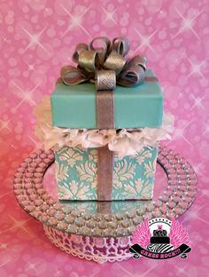 Gift+Box+Birthday+Cake+-+Cake+by+Cakes+ROCK!!!++