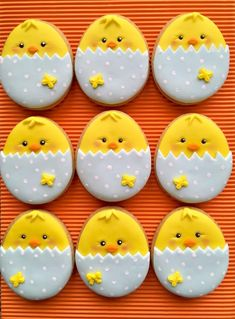 Celebrate Easter with the best Easter cookies. Here are the best Easter Sugar Cookies ideas. These Easter cookies decoration with royal icing are so cute. No Egg Cookies, Fancy Cookies, Iced Cookies, Royal Icing Cookies, Holiday Cookies, Cupcake Cookies, Carrot Cookies, Easter Cupcakes, Easter Cookies