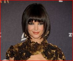 Pictures of Bob Hairstyles Katie Holmes. Get hairstyles ideas and inspiration with Bob Hairstyles Katie Holmes. Classic Bob Haircut, Bob Haircut With Bangs, Classic Hairstyles, Chic Hairstyles, Short Bob Haircuts, Cool Haircuts, Bob Bangs, Blunt Bangs, Hairstyles 2016