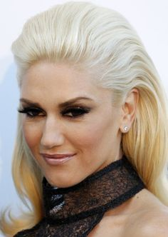 Gwen Stefani wish I could wear my hair like this