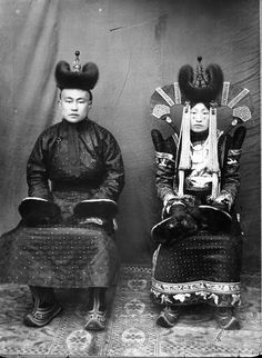 Mongolia 1920s married couple in traditional Mongolian costumes