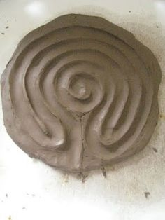 Art therapy activities clay Might make one of these to keep in the art room for anxious patients to trace with their finger.Could be self-soothing/calming.clay labyrinth - make one Moon Time, Model Magic, Art Therapy Activities, Play Therapy, Speech Therapy, Creta, Expressive Art, Art Classroom, Up Girl