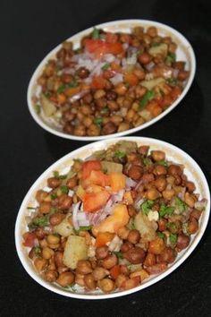 Kala Chana and aloo chaat/ black chickpeas and potato chaat (no oil Recipe)