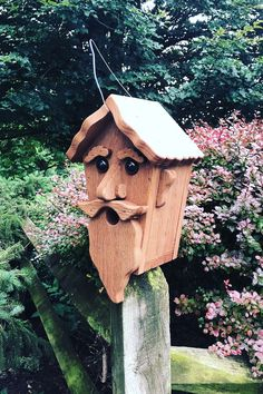Wizard Birdhouse Hand Made from Reclaimed Wood Wooden Bird Houses, Decorative Bird Houses, Bird Houses Painted, Bird Houses Diy, Bird House Feeder, Diy Bird Feeder, Homemade Bird Houses, Birdhouse Designs, Birdhouse Ideas