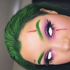 Are you looking for ideas for your Halloween make-up? Browse around this website for creepy Halloween makeup looks. Halloween Joker Makeup, Pretty Halloween, Clown Makeup, Scary Halloween, Asylum Halloween, Halloween Costumes, Face Makeup, Joker Make-up, Creative Makeup