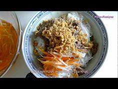 How to make Vietnamese noodlesalad (Bun bo Nam bo / Bun bo xao)  Ingredients (4-6 servings)  500g beef (rumpsteak)  1 tbsp oyster sauce  1 tbsp mincedgarlic  1 tbsp minced lemongrass  ½ tsp salt  ½ tsp pepper  1 tsp seasoningpowder (or sugar)  3 tbsp vegetable oil (1 tbsp to marinade beef, 2tbsp to stir-fry)  1 small onion, sliced (optional)  1kg fresh or ...