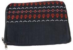 iPad hoesje gemaakt van katoen en gerecyclede rijstzakken.Afmetingen: 22 x 29 cm.Artikelnr. I003 Nepal, Bag Making, Bags, Handbags, Bag, Totes, Hand Bags