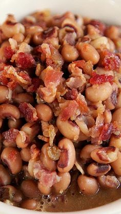 Cajun Black-Eyed Peas~ (canned black-eyed peas and adds tons of great flavor from bacon and cajun seasoning)