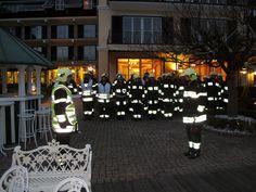 Wie schön sie leuchten. Challenges, Fire Department, Light Fixtures, Nice Asses